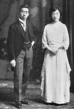 Emperor_hirohito_and_empress_kojun_
